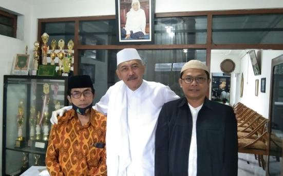 UPT Pusat Studi Aswaja - Pengurus MATAN komisariat UNISNU jepara Silaturahmi Kepada KH. Haidar Muhaiminan (30/12/20)