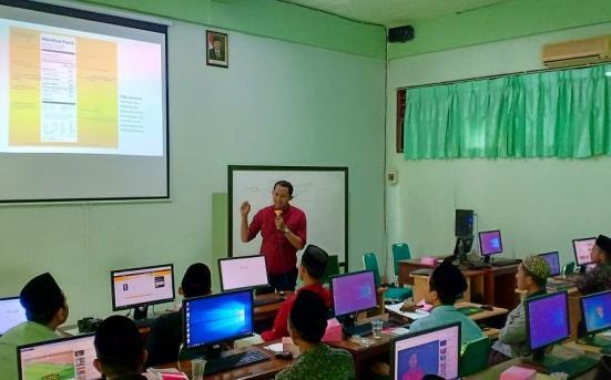 Pendampingan dan pelatihan Kewirausahaan, Internet marketing, dan Advertising di Pondok Pesantren Darussalam Saripan Jepara 2