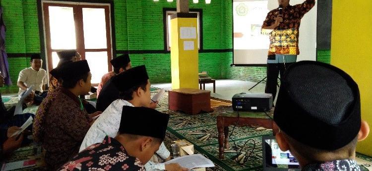 UPT Pusat Studi Aswaja Adakan Pelatihan Falak dan Desain ke Pondok Pesantren